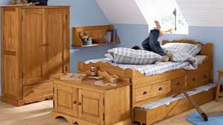 furnitur kayu kamar anak