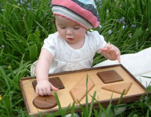 Waspadai penyakit akibat mainan anak mengandung bakteri.